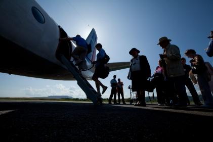flying from Baracoa to Cenfuiegos